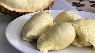 How to open a Durian