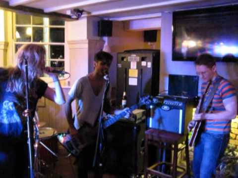 There Must Be An Angel - Lucy & The Bongo Shoes - The White Hart, 5th Apr 2014