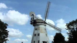 preview picture of video 'Upminster Windmill Sails turning'