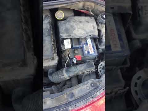 Снятие аккумулятора Пежо 207