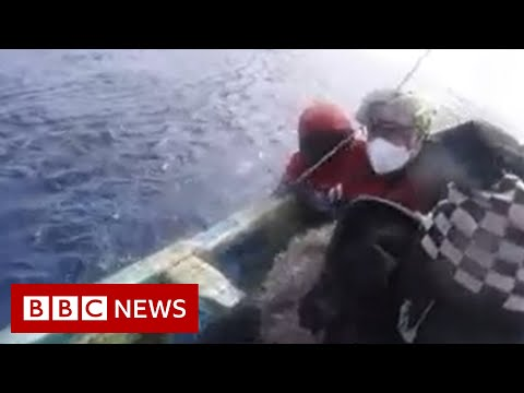 Teenage girl found in boat drifting for 22 days at sea - BBC News