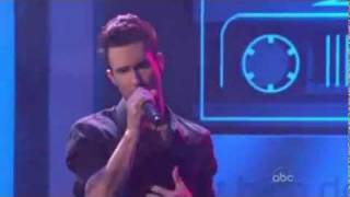 Adam Levine (maroon 5) & Stereo Hearts