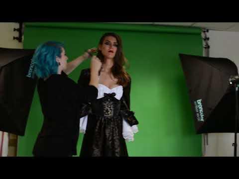 Hinter den Kulissen unseres Fotostudios...Halloween: Vampir Gräfin