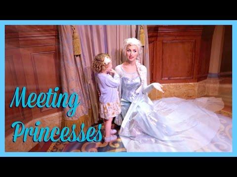 Meeting Disney Princesses | Sprinkle of Chatter