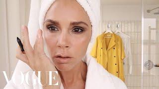 Victoria Beckham's Five-Minute Face | Beauty Secrets | Vogue - Video Youtube