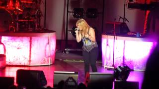 Kelly Clarkson - Let Me Down (Live in Dublin)
