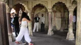 preview picture of video 'Rod Relucio and Jenny Teters, Agra Red Fort, India.'