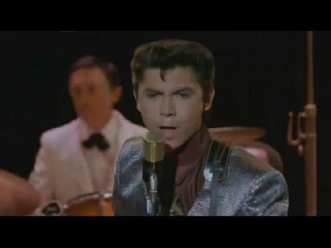 Lou Diamond Phillips (Performs Ritchie Valens) - La Bamba [Original Video] (1987) Mp3