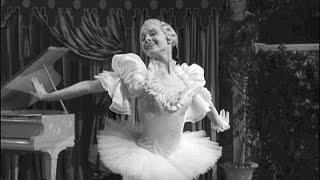 Audrey Hepburn Dancing En Pointe In Secret People