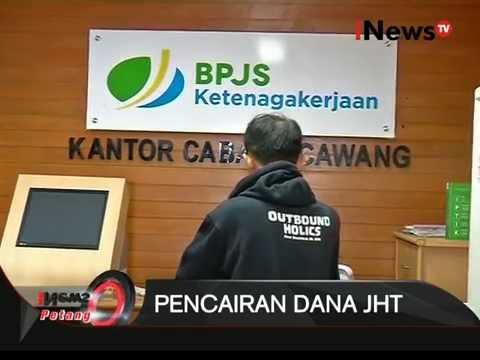 Pencairan Dana JHT Membuat Antrean Panjang Tiap Hari - iNews Petang 12/10