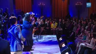 "Alabama Shakes Perform ""Born Under A Bad Sign"" 