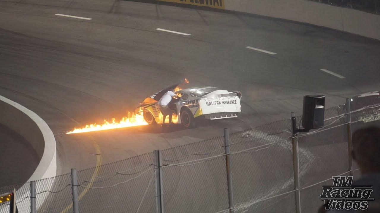 Отец бросился спасать сына гонщика, когда его автомобиль загорелся