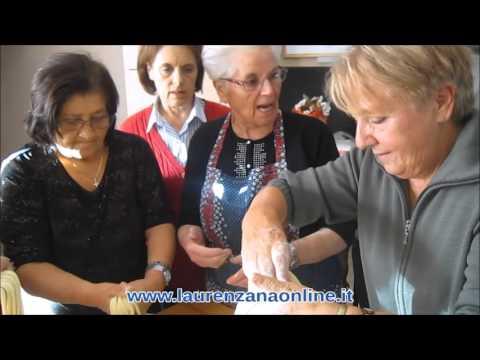 """Preview video Video """"l manatedd"""" piatti tipici della cucina laurenzanese Laurenzana 15 ottobre 2015"""