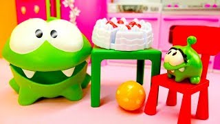 Toy Video for Kids: Om Nom Toys Play Games
