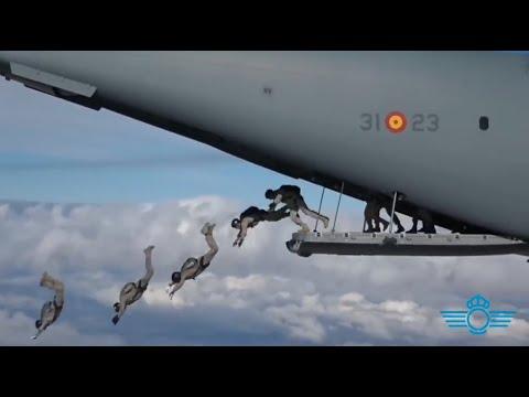 Un millón y medio de saltos en el aniversario del primer salto paracaidista del Ejército del Aire