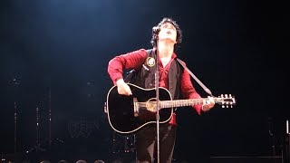 Green Day - 21 Guns (Acoustic) – Live in Oakland
