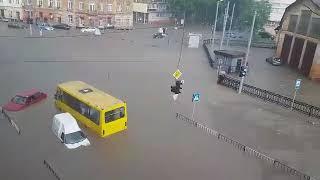 Наслідки масштабної зливи у Львові