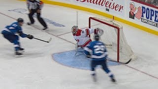 Petr Mrazek lunges back for incredible save on 2-on-0 chance