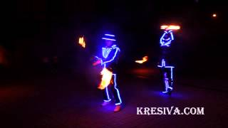 2 артиста+куб+муз светодиодные костюмы