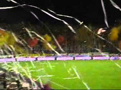 """DEPORTES TOLIMA Vs Once Caldas LA HINCHADA EN LA FINAL LIGA POSTOBON II 2010"" Barra: Revolución Vinotinto Sur • Club: Tolima"
