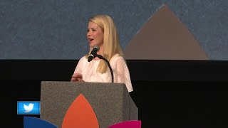 "Kidnapping survivor Elizabeth Smart speaks at ""Power of the Purse"""