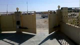 preview picture of video 'Iraq quiko swing gate opener.mp4'