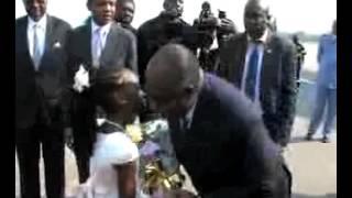 preview picture of video 'Arrivée du Président à Yaoundé pour le Sommet de la CEEAC'