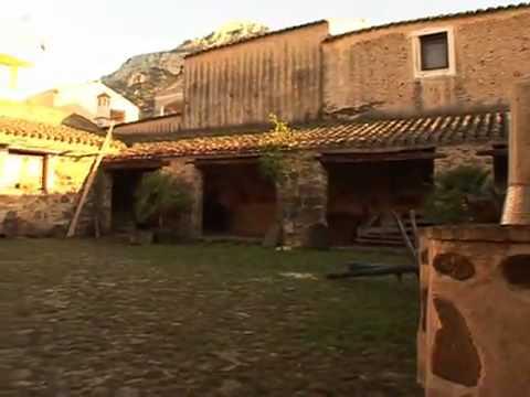 """Galtellì ist Schauplatz des Romans """"Canne al Vento"""" (dt. Schilf im Wind) der sardischen Nobelpreisträgerin Grazia Deledda"""