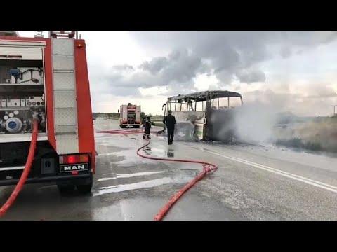 Κεραυνός έκαψε λεωφορείο του ΚΤΕΛ στον Έβρο