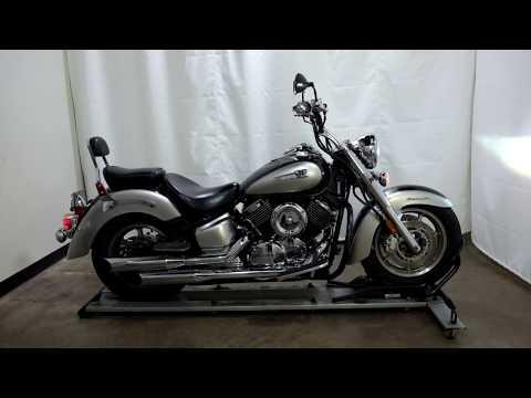 2007 Yamaha V Star® 1100 Classic in Eden Prairie, Minnesota - Video 1