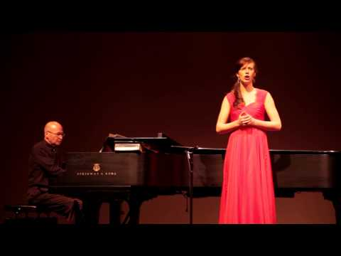 Fleur Jetee - Cecile Chaminade (classical French art song)