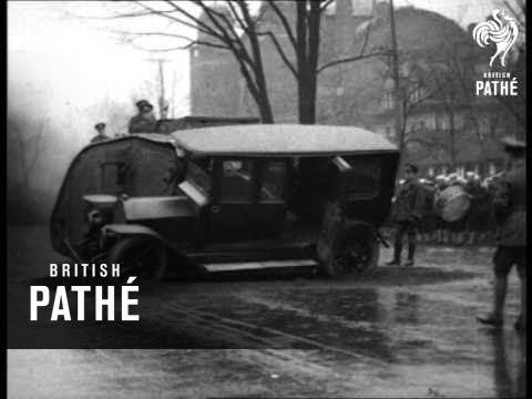 100 años atrás: tanques y autos