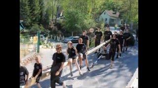 preview picture of video 'KREUZBERGER PERCHTEN - Maibaum 2012'
