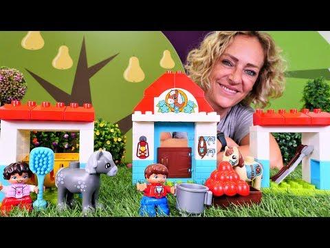 Nicole packt neues Spielzeug aus - Der Lego Duplo Ponyhof