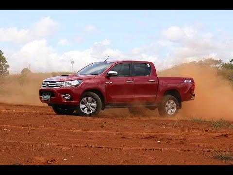 Review Toyota Hilux 2.5 V | Oto.com