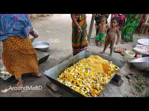 Eggs & 50 KG Vegetables Mashed Cooking / Prepared By Village Women For Charity Food To Feed Child