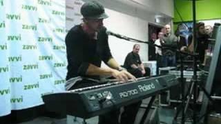 Daniel Powter live at Manchester UK Album Launch 2008 - Whole World Around