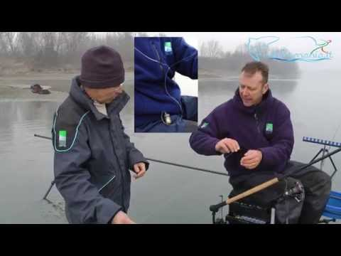 La casetta al lago per pescare in regione di Chelyabinsk