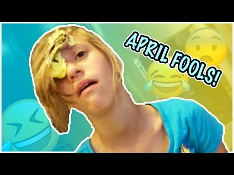 ULTIMATE APRIL FOOLS PRANKS | KIDS VS. PARENTS | SILLY STRING AND MORE!! (видео)