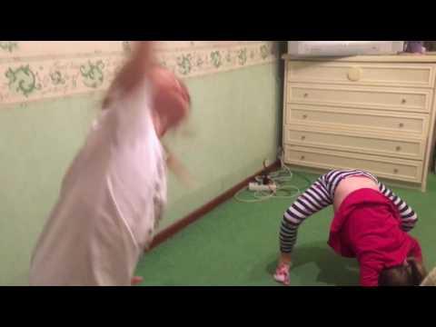 УРОКИ ГИМНАСТКИ ДОМА Детский канал Ваша Алиса Видео для детей