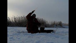 Ловля рыбы в глухозимье на безмотылку