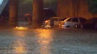 preview picture of video 'Inundaciones en Vicente lopez terrible!'