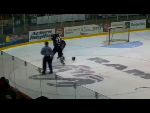 Sawyer Hannay vs Adam Leblanc-Bourque