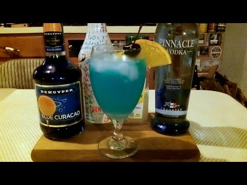How To Make A Blue Lagoon Cocktail / Mixed Drink ✚ RECIPE INCLUDED ✚ DJs BrewTube