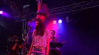 Bat For Lashes - The Wizard (Glastonbury 2007)