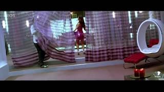 Kareena shows her moves