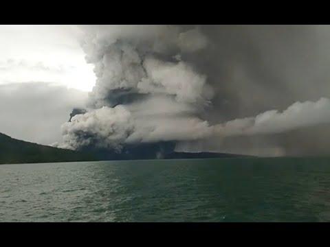 Gunung Anak Krakatau Terus Bererupsi
