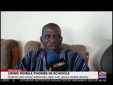 Students and School authorities clash over seized mobile phones (30-10-18)