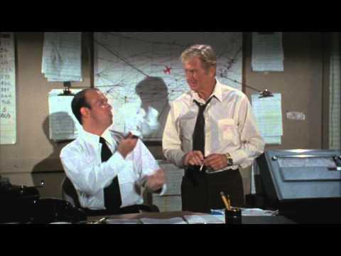 Y a-t-il un pilote dans l'avion ? (1980) // Bande-annonce HD (VO)