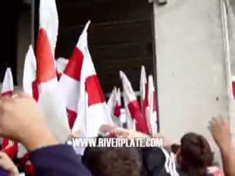 """""""Te alentare donde sea   River"""" Barra: Los Borrachos del Tablón • Club: River Plate"""